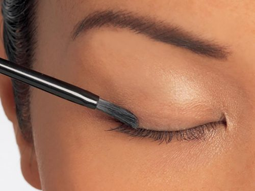 Latisse Vs Natural Alternatives ; Your Key for Having Long, Thick, and Full Eyelashes in 16 Weeks